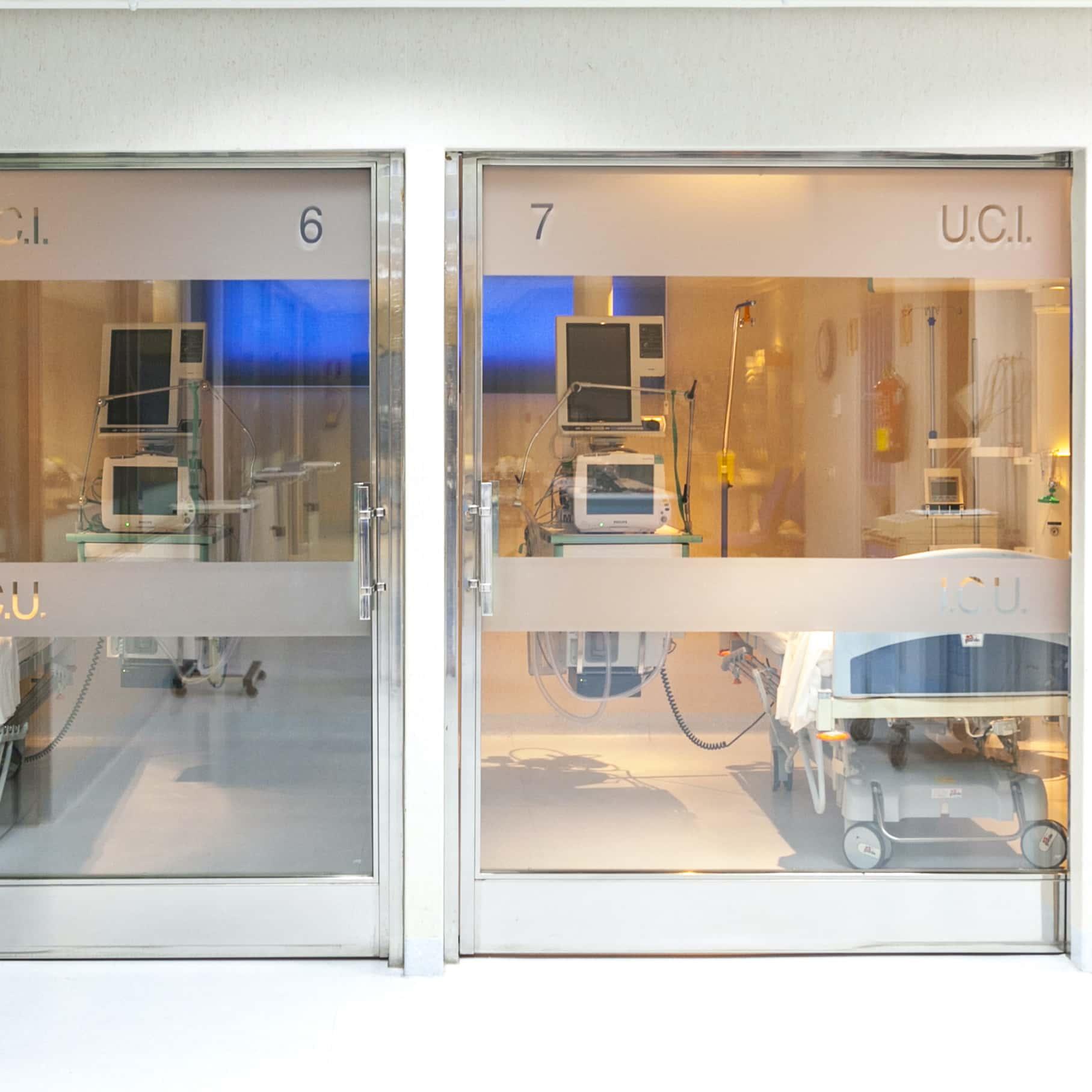 Medicina Intensiva Hospital Santa Elena, clinica médica en Torremolinos, Málaga. Servicios sanitarios en la Costa del Sol. Más de 30 especialidades y servicio de urgencias.