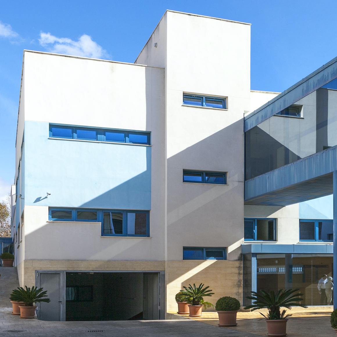 Hospital Santa Elena, clinica médica en Torremolinos, Málaga. Servicios sanitarios en la Costa del Sol. Más de 30 especialidades y servicio de urgencia